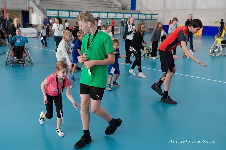 Kinderen op een G-sportkamp